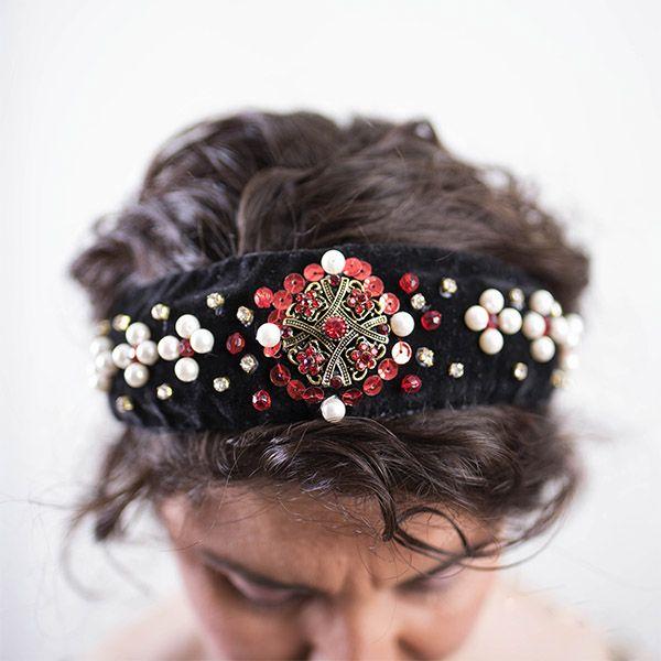 lilo moda atelier diadema pedreria y terciopelo negro
